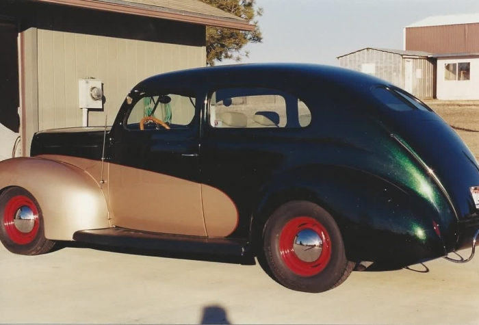 1939 Ford Tudor Deluxe