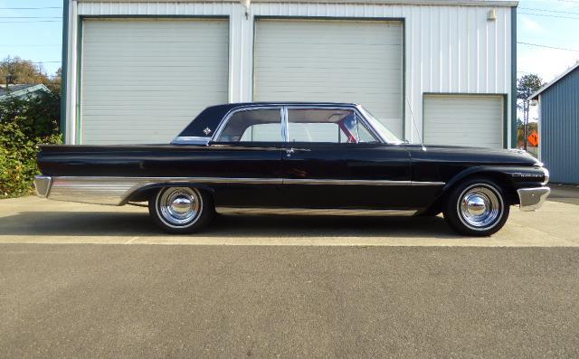 1961 Ford Galaxie Club Sedan 2 Door