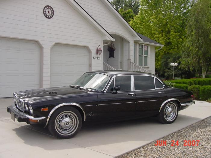 1974 Jaguar XJ12L