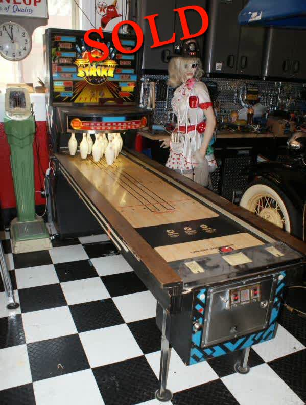 Williams &#39;Triple Strike&#39; Shuffle Bowling Game <font color=red>*SOLD*</font color>
