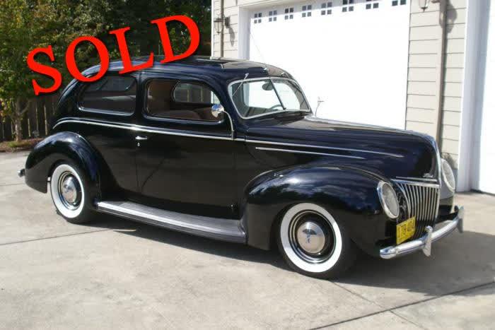 1939 Ford 2 Door Deluxe