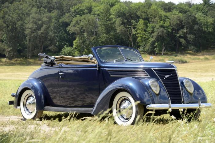 1937 Ford Cabriolet - Gene Winfield