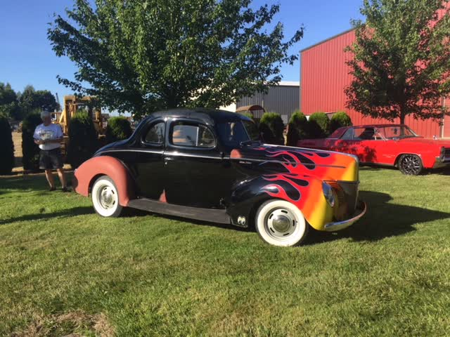 1940 Ford Deluxe Coupe Hot Rod