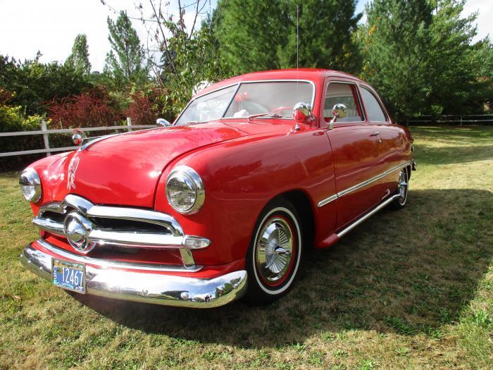1949 Ford Shoebox Rockabilly Style
