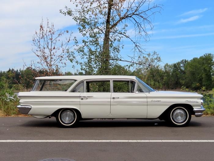 1960 Pontiac Catalina Safari Wagon 9 Passenger